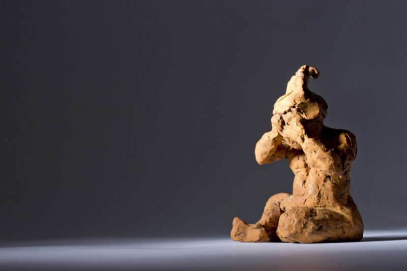 Sculpture - Bronze - Figurative - Sitting Child 1