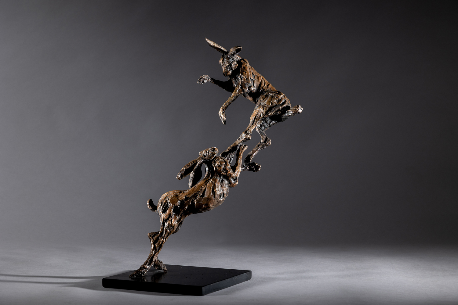 LOVE TO LIVE – Boxing Hares